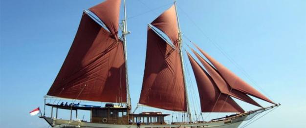 Pinisi Ship, World Explorer Ship