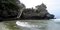 cliffs at palippis beach