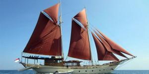 Pinisi ship Bugis Tribes